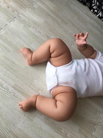 赤ちゃん むちむち 動かないタイプ